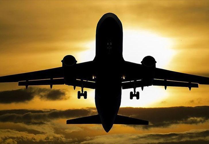 Avrupa'da aşılama arttı, uçuşlar rekor seviyelere ulaştı