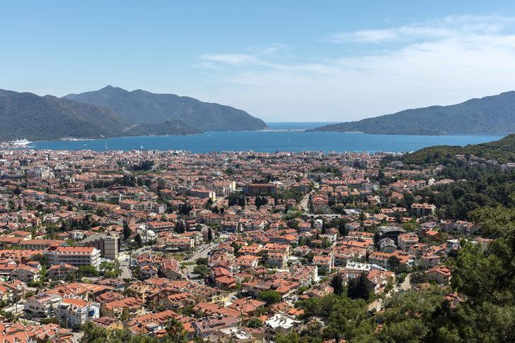 Marmaris'te haftalık ev kirası ile Anadolu'da arsa alınır!