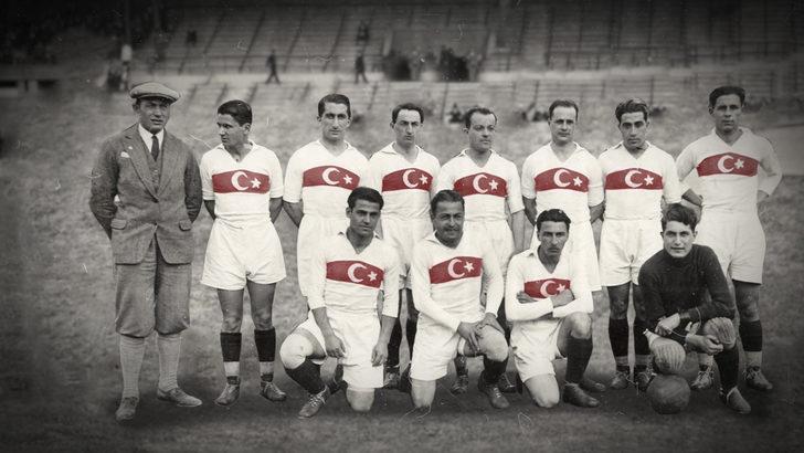 EURO 2020: Türkiye A Milli Futbol Takımı'nın klasik formasının 99 yıllık hikayesi