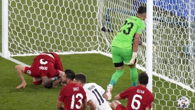 Maçın 53. dakikasında Merih Demiral topu kendi kalesine gönderdi ve İtalya 1-0 öne geçti.