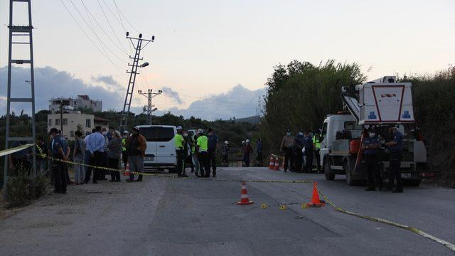 Hatay'da otomobil yayaya çarpıp dereye devrildi: 1 ölü, 3 yaralı