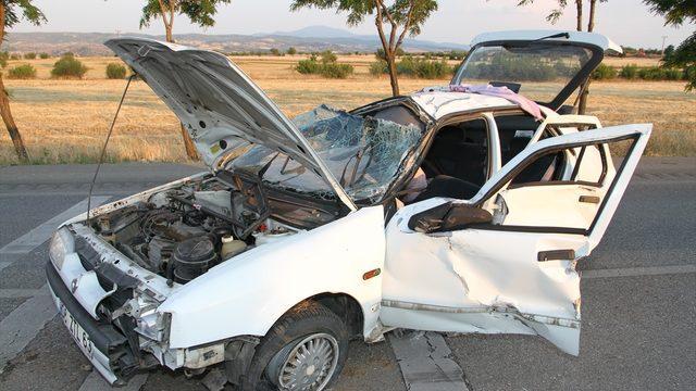 Manisa'da trafik kazasında biri çocuk 3 kişi yaralandı