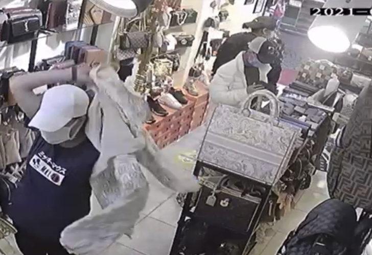 Yakalanan hırsızlar ortalığı birbirine kattı! Herkesin önünde jiletle kollarını kesti