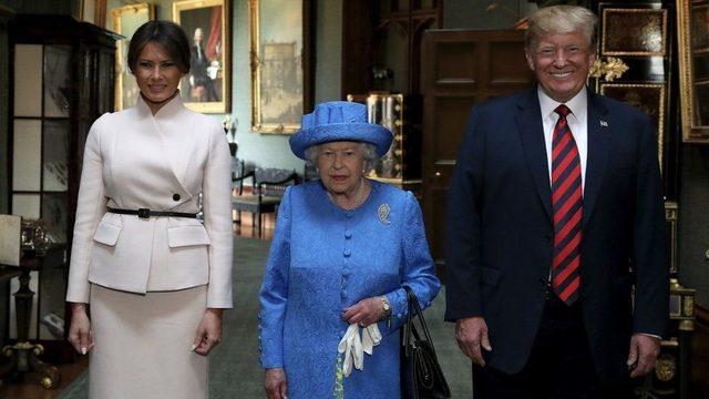 Kraliçe, 2019 yılında Trump çifti ile bir araya gelmişti.
