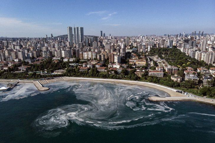 İstanbul'un sahillerindeki müsilaj istilasının son hali böyle görüntülendi