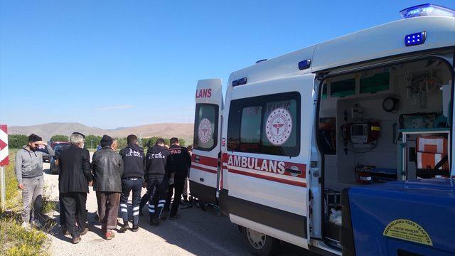 Bayburt'ta yolcu otobüsü devrildi: 4 yaralı