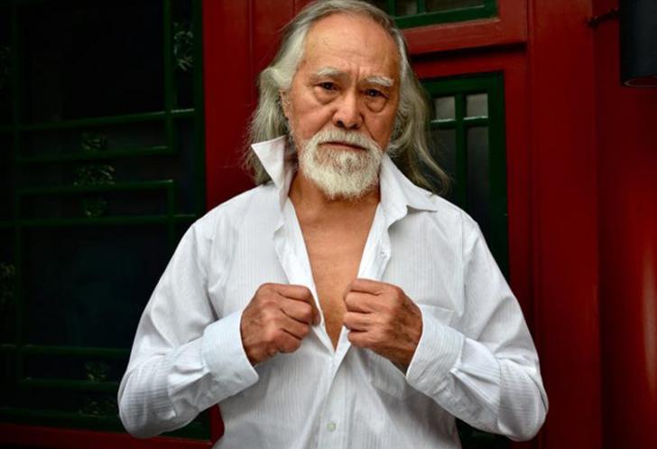 Dünyanın en yaşlı modeli! 79 yaşında manken olan Deshum Wang'ın ilhma veren hayat hikayesi