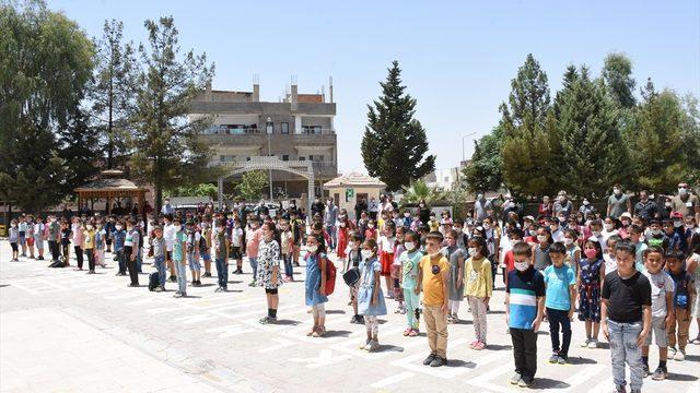 Mardin'deki trafik kazasında hayatını kaybeden öğretmenlere anma