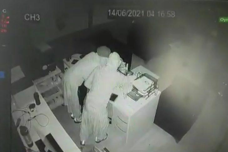 Elazığ'da kadın kılığında bir iş yerinden hırsızlık anı kameralara yansıdı