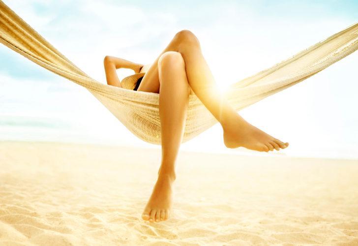 Yaz tatiline bunları okumadan gitmeyin! Güzel ve çekici görünen bacaklar için hayat kurtaran tavsiyeler