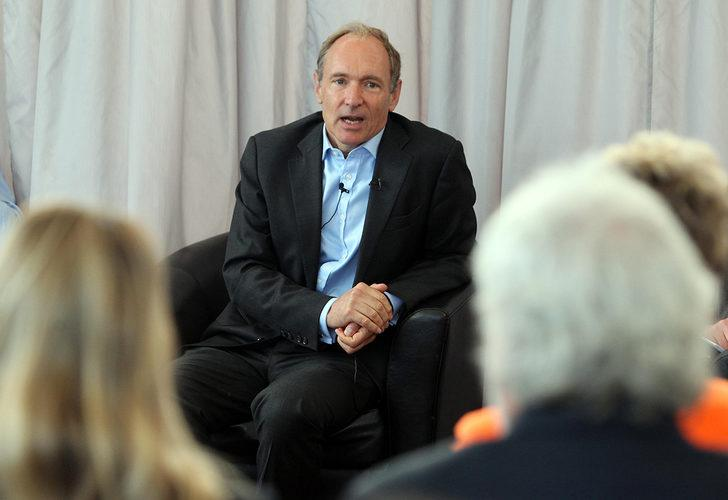 World Wide Web'in mimarı Sir Tim Berners-Lee, 'interneti' NFT olarak satıyor!