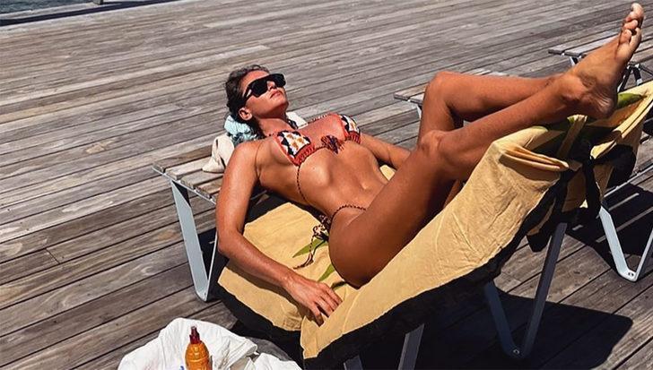 Eda Taşpınar'ın Bozcaada tatili! Bikinili pozlarıyla dikkat çekti