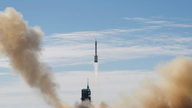 Çinli Taykonotlar Çin'in Kendisine Ait Uzay İstasyonuna Ulaştı