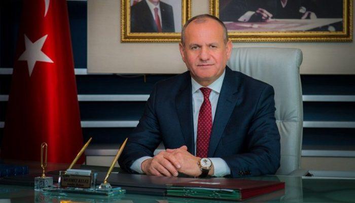 Son dakika: Düzce Belediye Başkanı Mehmet Keleş istifa etti