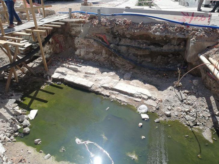 Alt yapı çalışmaları sırasında izine daha önce rastlanmayan 300 yıllık bedesten bulundu