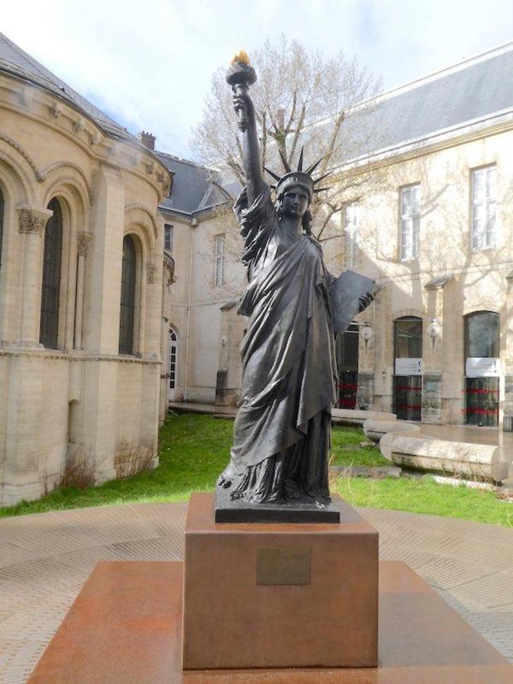 Fransa'dan ABD'ye ikinci Özgürlük Heykeli