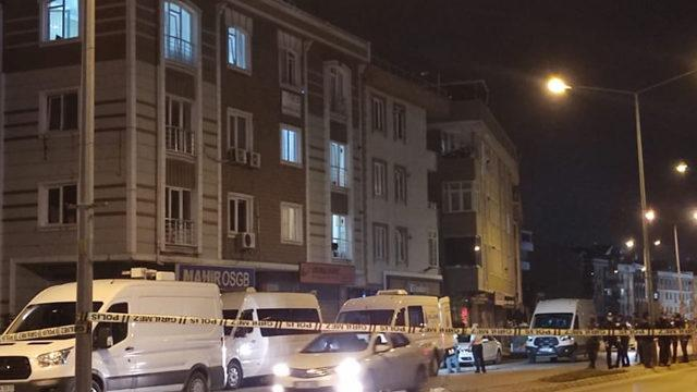 İki ceset bulunan evde bomba alarmı