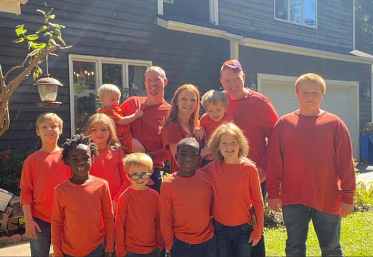 10 çocuğu olan Alicia ve Josh Dougherty çifti sosyal medyada gündem oldu
