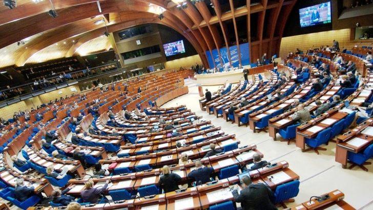 """AKPM """"Siyasi Tutuklular"""" Karar Tasarısını Kabul Etti"""
