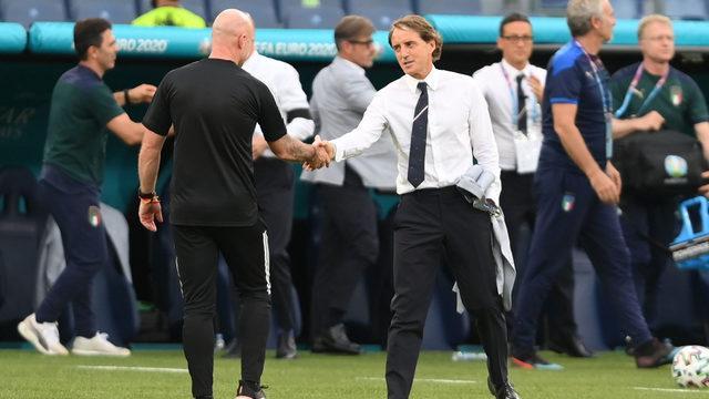 Roberto Mancini tarih yazıyor