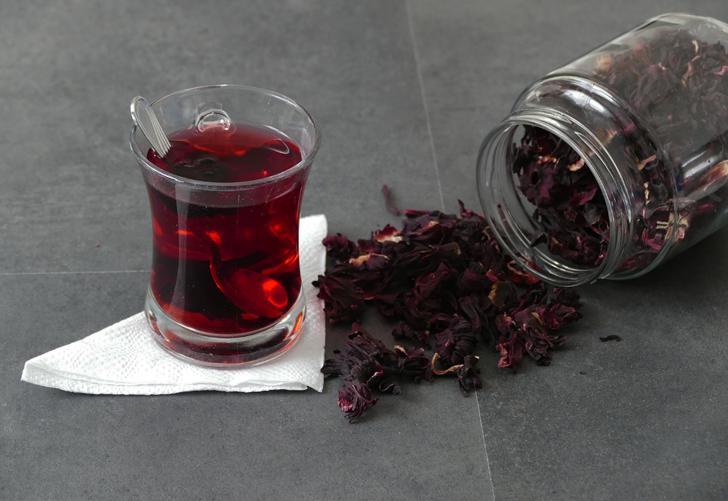 Hibiskus çayının faydaları nelerdir? Hibiskus çayı nasıl hazırlanır? Hibiskus çayı ne kadar sürede demlenir?
