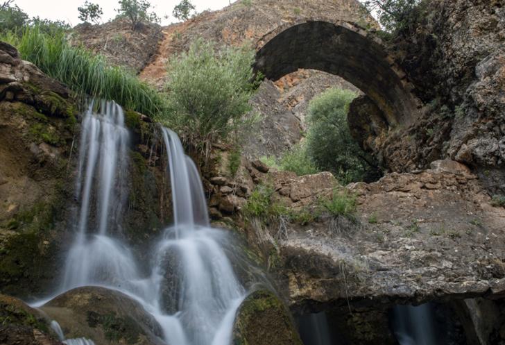 """Tarihin doğayla harmanlandığı """"Rabat Vadisi"""" el değmemiş doğal güzellikleriyle görenleri mest ediyor"""