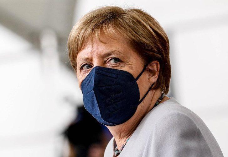 Merkel ikinci doz koronavirüs aşısını yaptırdı