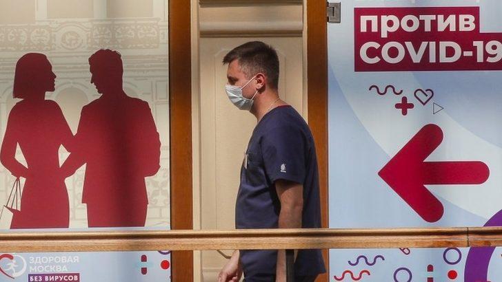 Covid: Rusya'da Şubat ayından beri en fazla günlük can kaybı yaşandı, Moskova yeni önlemler getirdi