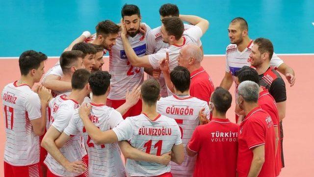A Milli Erkek Voleybol Takımı, Avrupa Altın Ligi'nde finalde Ukrayna'yı 3-1 mağlup ederek üst üste ikinci kez namağlup şampiyon oldu.