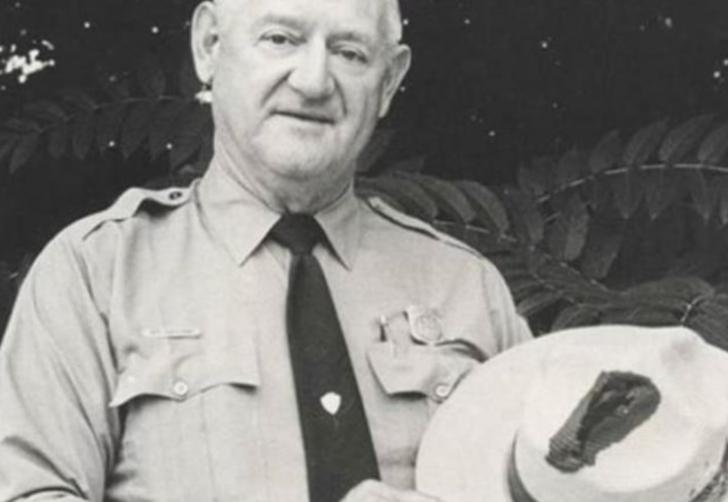 İnanılmaz hikaye! 7 kez yıldırım çarpmasına rağmen hayatta kalmayı başaran Roy Sullivan'ın ölüm nedeni şaşırttı