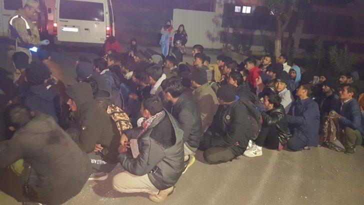 Siirt'te Göçmen Taşıyan Kamyona Ateş Açıldı: 2 Ölü
