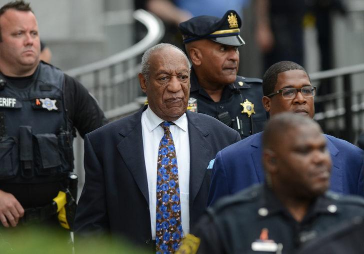 Cinsel saldırıyla suçlanan ünlü komedyen Bill Cosby serbest kaldı