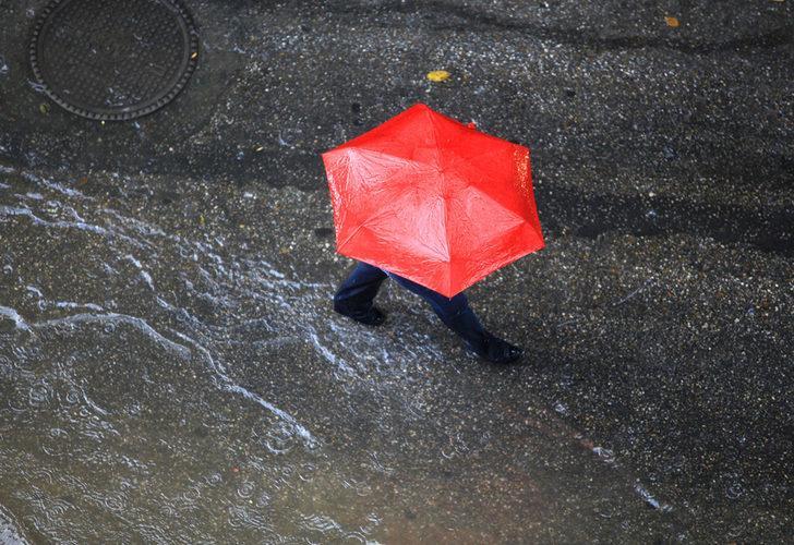 Meteoroloji'den kuvvetli yağış uyarısı! Bu bölgelerde yaşayanlar dikkat (1 Temmuz yurtta hava durumu)