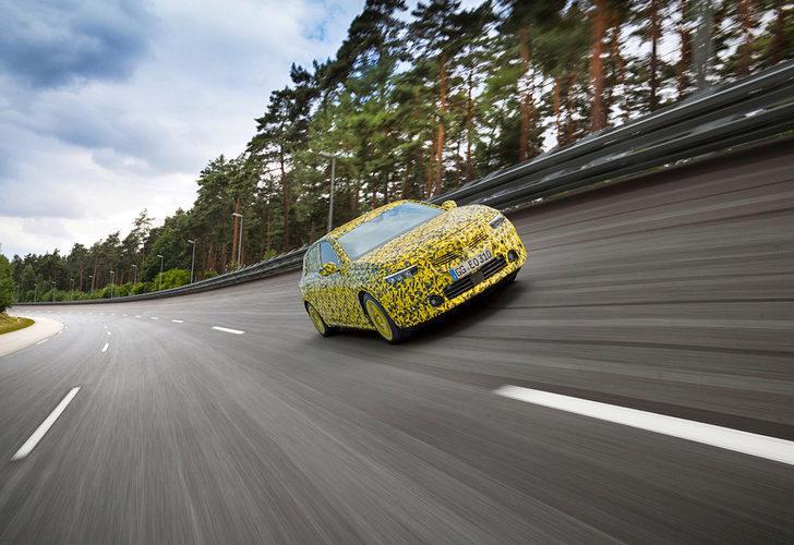 Yeni Opel Astra zorlu testlerin sonuna geldi! İşte kamuflajlı görüntüleri