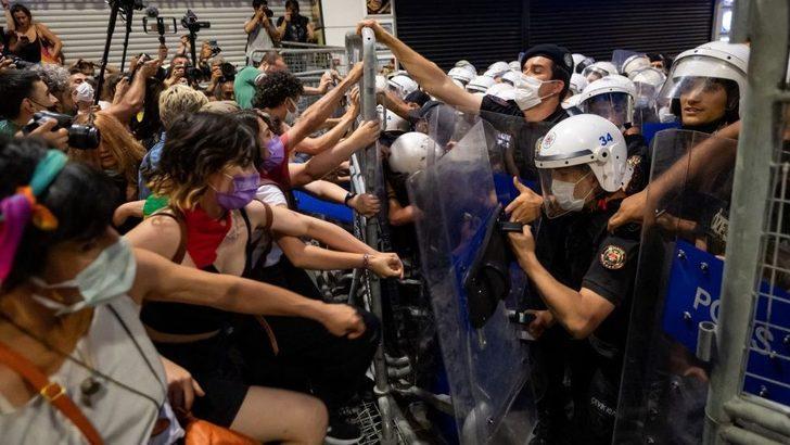 İstanbul Sözleşmesi'nin feshi: 'Devlet kadınları korumak istemiyor'