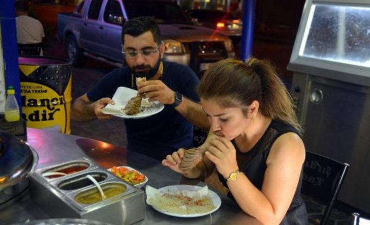 Kısıtlamalar sona erince Adanalılar, şırdancılara koştu! Restoran sahipleri yetişmekte zorlandı