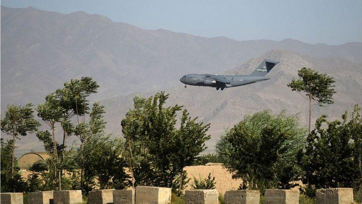 Afganistan'daki Bagram hava üssünden son ABD ve NATO askerleri de ayrıldı