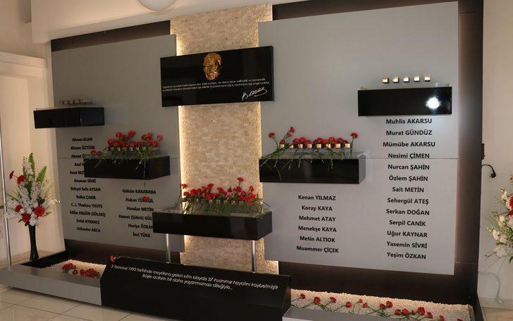 2 Temmuz Madımak katliamında hayatını kaybedenler anıldı