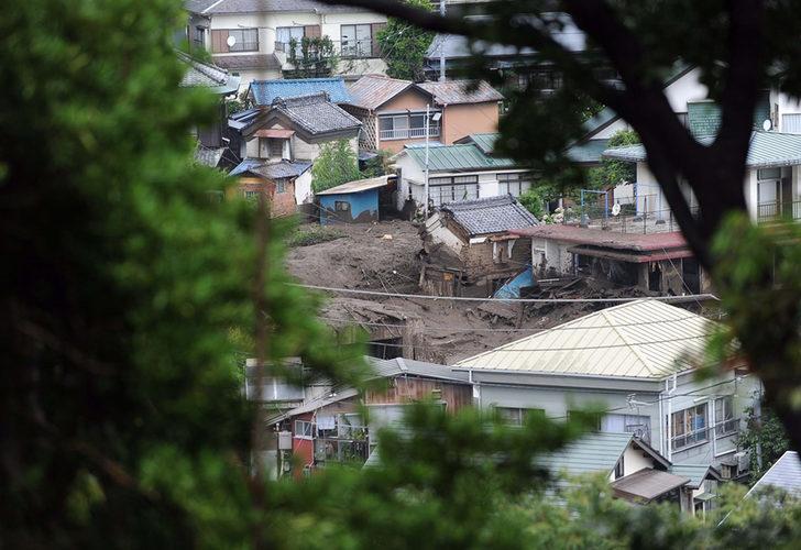 Japonya'da heyelan! En az 20 kişi kayıp