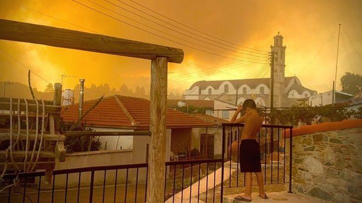 Kıbrıs'ta kontrol altına alınamayan yangına müdahale için bir dizi ülke yardım gönderdi