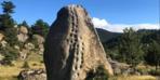 21 basamaklı kaya görenleri şaşırtıyor!