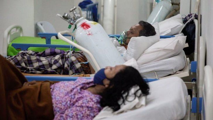 Covid-19: Endonezya'da artan vakalar nedeniyle hastanelerde oksijen sıkıntısı yaşanıyor