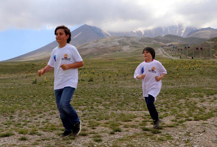 Parkuru karıştırınca 800 metre yerine 12 kilometre koştular