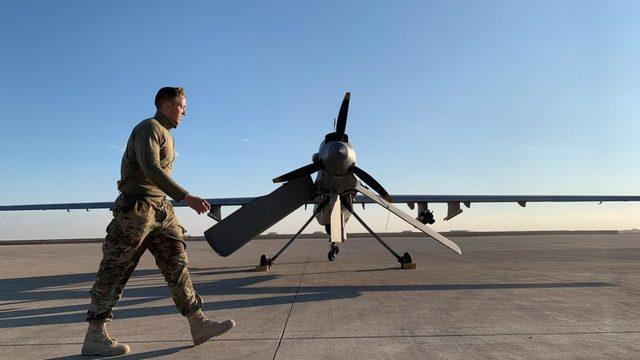 Erbil Havaalanı'nda ABD'li askeri birlikler de bulunuyor.