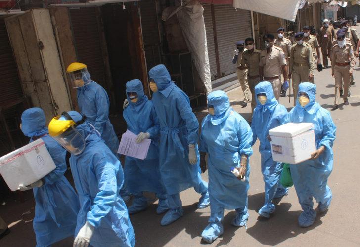 Hindistan'da 'pes' dedirten olay! Binlerce kişiye aşı diye tuzlu su enjekte ettiler