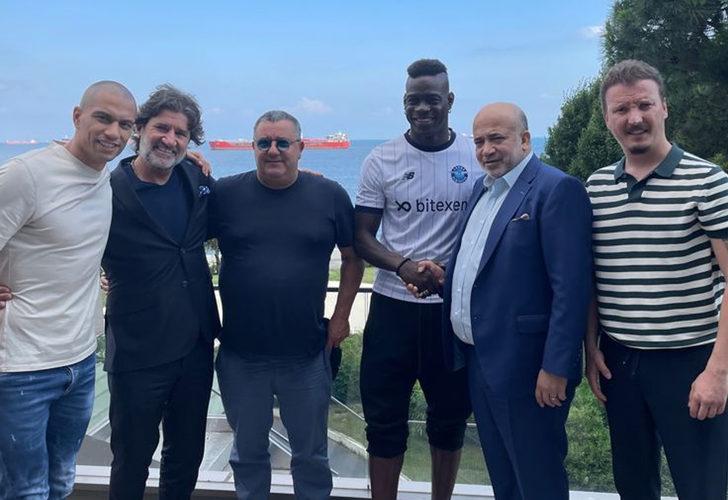 Balotelli resmen Adana Demirspor'da!
