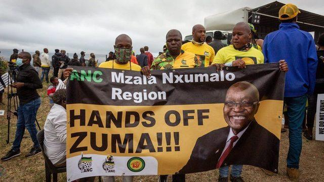 Memleketi KwaZulu-Natal'da Zuma'ya hala büyük destek var
