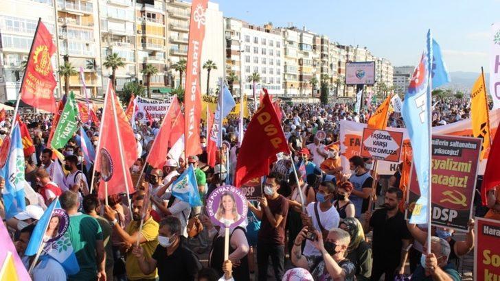 İzmir'de 'Demokrasi İçin Bir Nefes' Mitingi