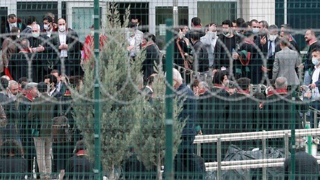 HDP'li siyasetçiler Kobani davalarında yargılanıyor