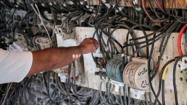 Ekonomik kriz nedeniyle Lübnan karanlığa gömüldü